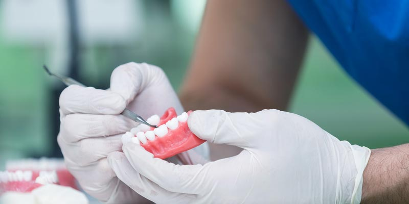 denture maintenance and cleaning